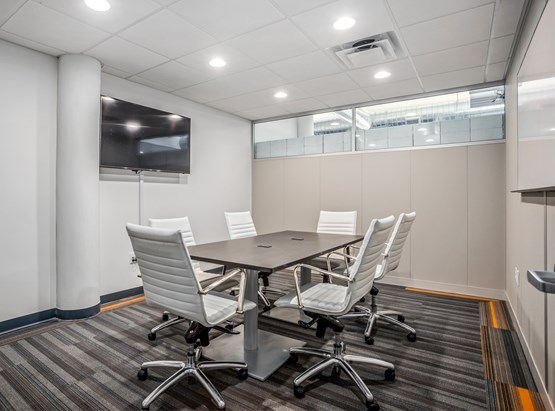 6 Person Meeting Room